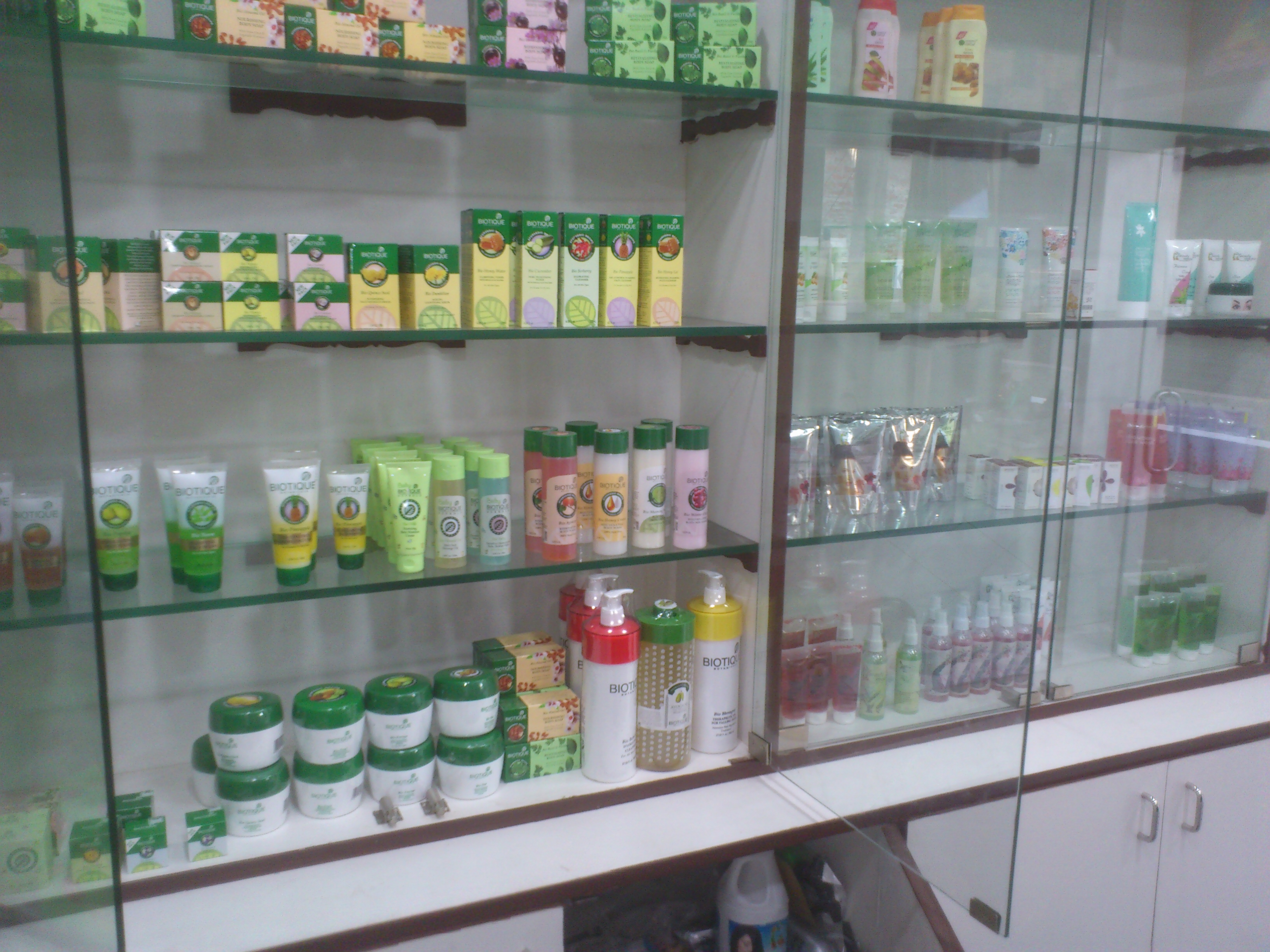 Cosmetics wholesale market in chennai